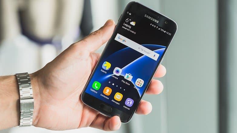 AndroidPIT Samsung galaxy s7 s7 app drawer 2 w782 Google Pixel VS Samsung Galaxy S7: Получится ли у Google забрать корону производителя Андроид смартфонов?
