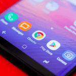 Samsung запатентовал смартфон с экраном изогнутым на 180 градусов