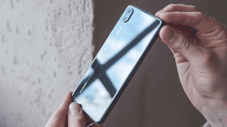 754 Обзор Huawei P20: новый внешний вид и AI для серии P