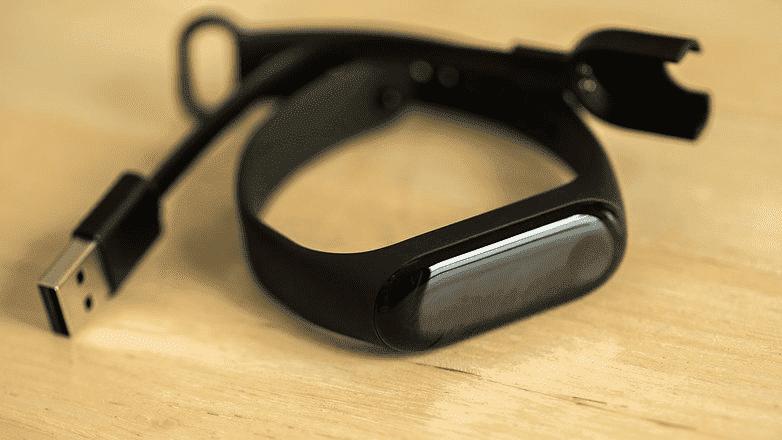 340 Xiaomi Mi Band 3: фитнес трекер для всех