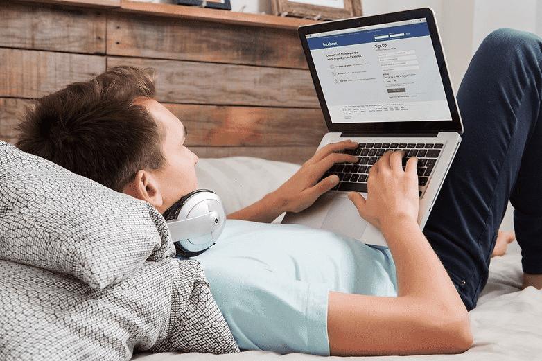 502 Facebook передает данные в Microsoft, Amazon и не только
