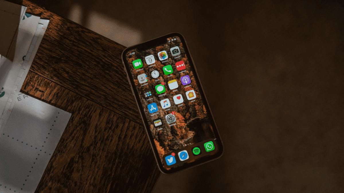 На этой неделе в Apple: iOS 14 может появиться на многих iPhone, говорит Нил Янг