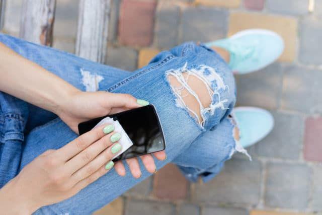 Samsung предложил пользователям бесплатную дезинфекцию гаджетов