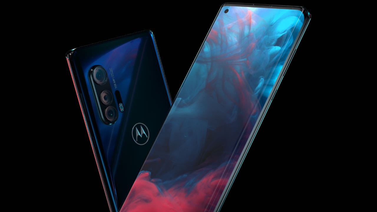 Флагман Motorola edge+ теперь доступен для российских пользователей